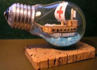 como hacer un barco en una botella como hacer cosas bellas con una bombilla reciclaje