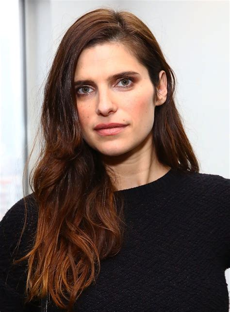 Lake Hairstyle by Lake Bell Wavy Cut Hair Lookbook Stylebistro