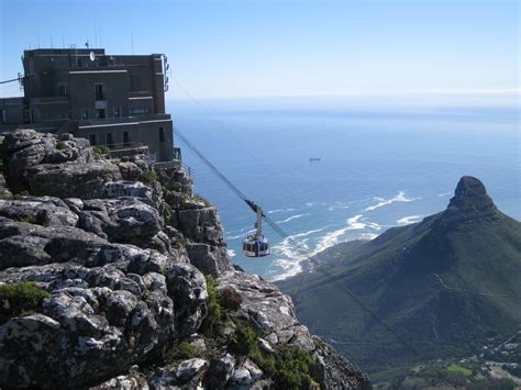 photo table mountain cable car cape town south africa