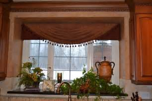 kitchen window valance ideas decorating ideas for kitchen window room decorating