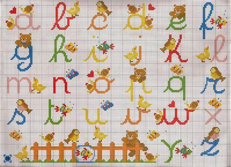 lettere punto croce in corsivo hobby lavori femminili ricamo uncinetto maglia