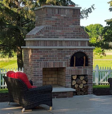 Brick Outdoor Fireplace Designs by 25 Best Ideas About Outdoor Fireplace Brick On