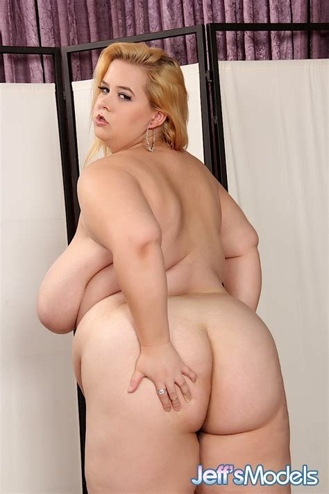 Bbw Minnie Mayhem Hardcore Lesbian Photos Naked Woman Big Ass Huge Tits Group Sex