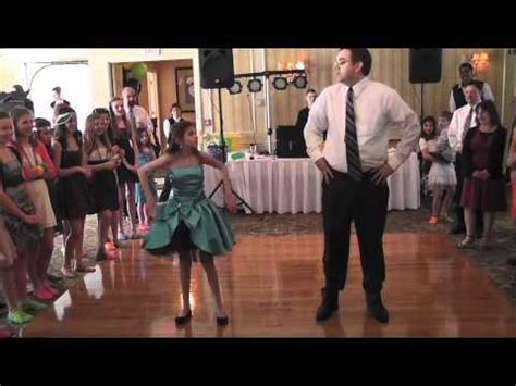 Hawaii Wedding Inspiration: Best Father Daughter Dance