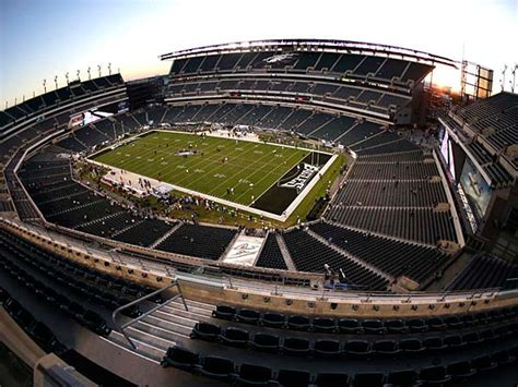 lincoln financial field bowl temple says eagles seek big rent hike for linc philly