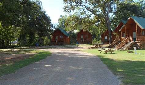 Cabins On Lake Conroe by Cabins At Bishop S Landing A Lake Conroe Rv Park And