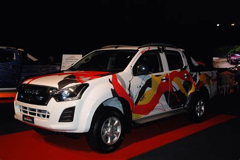 design car contest 2015 the one academy student wins isuzu d max pick up in decal