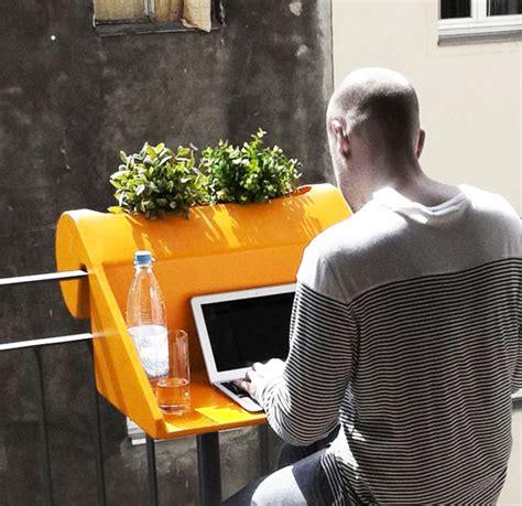 tavolo da balcone oggetti utili per piccoli balconi arredare terrazzi e