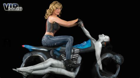 Motorrad Online Leserbriefe by Geniale Bodypaintings Von Trina Merry Video