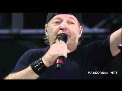 arrivo vasco a bologna vasco arrivo vasco a bologna vasco live kom 013 funnycat tv