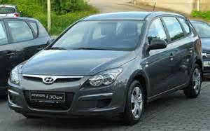 Hyundai I30cw File Hyundai I30cw 1 4 Blue Comfort Front 20100617 Jpg