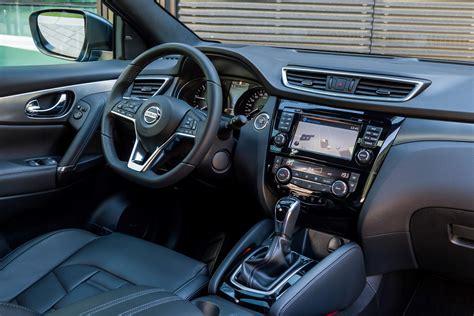 nissan dualis interior nissan qashqai 1 6 dig t tekna suv review car keys