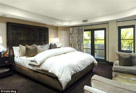 kardashian bedroom kardashians bedrooms memsaheb net
