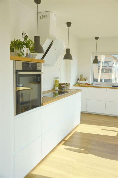 Halbhoher Kleiderschrank Ikea by Best 25 Bright Kitchens Ideas On Kitchens