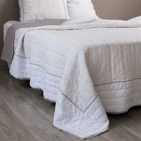 White Quilted Bedspread Sorel Linen Quilted Bedspread In White 240 X 260cm