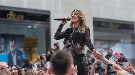 is shania twain a stepmom watch shania twain sing life s about to get good on the