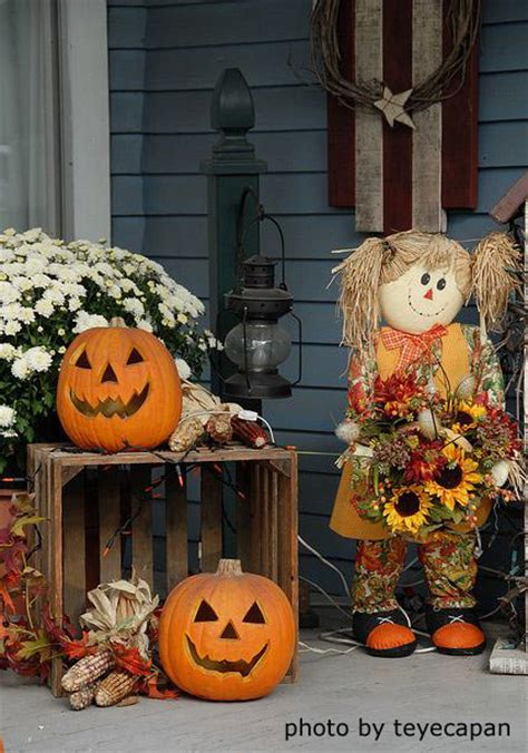 outdoor halloween decorations  fright  fun