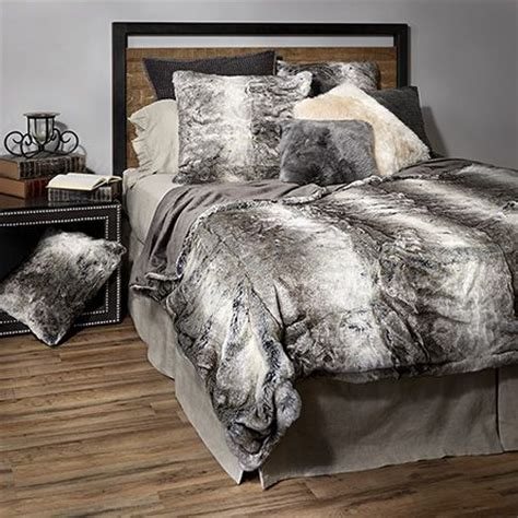 faux fur bed throw best 25 fur bedding ideas on pinterest grey fur throw cozy bedroom and cozy white bedroom