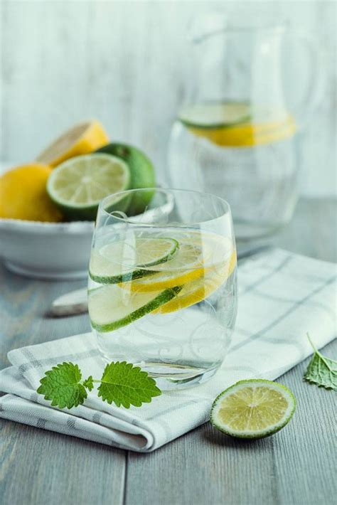 Lemon And Lime In Water Detox by Are There More Health Benefits In Lemon Water Or Lime Water