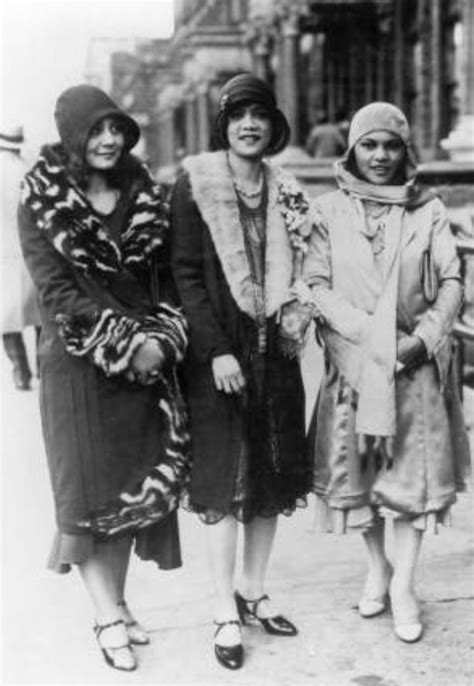 roaring 20s fashion for african americans harlem renaissance 1920 s the three graces pinterest
