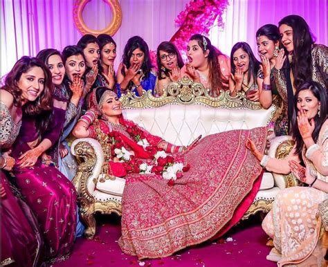 Yaari Dosti Shaadi   Wedding pictures you MUST take with