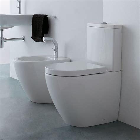 cassetta wc a muro cover wc monoblocco con cassetta bidet filomuro e copri wc
