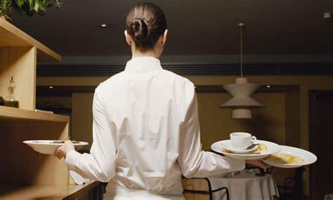 cameriere di sala vitto e alloggio cercasi cameriera di sala in inghilterra thegastrojob