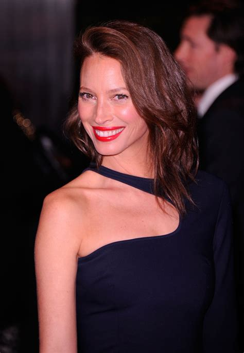 kristy turligton short hair christy turlington long side part christy turlington