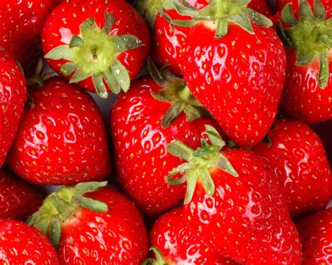 facts about strawberries cre8tivfacts