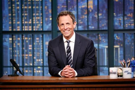late night seth meyers nbc com late night with seth meyers nbc announces host s contract