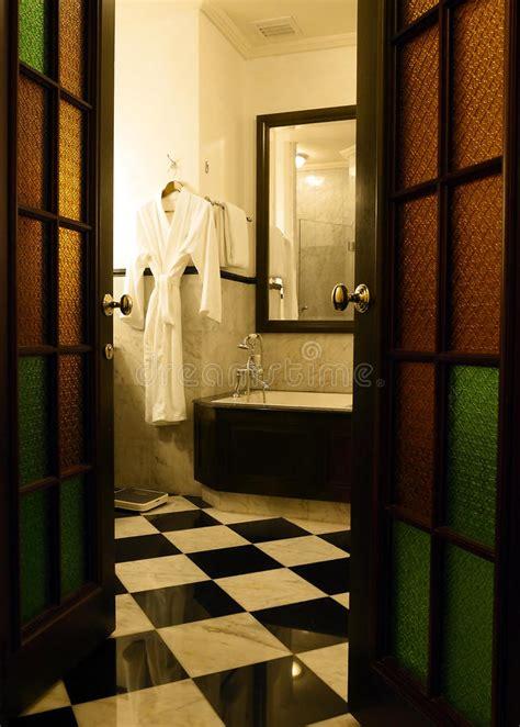 stanze da bagno di lusso stanza da bagno antica di lusso fotografia stock