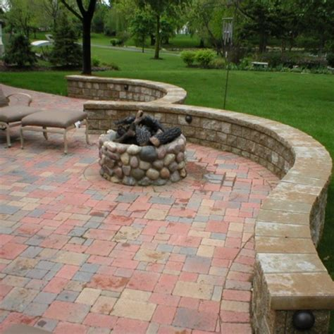 Circular Outdoor Fireplace by Fireplaces Circular Fit Pits Outdoor Fireplaces