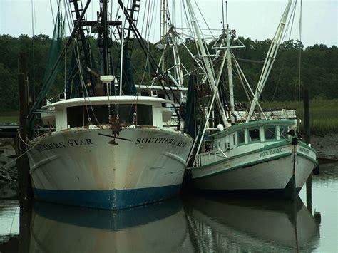 shrimp boat hilton head great blue heron michael s woodcraft