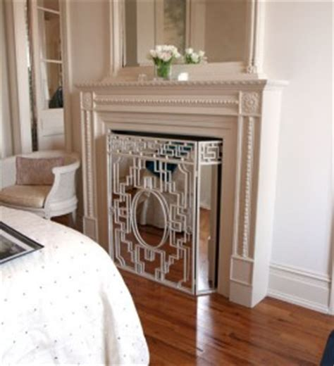mirrored fireplace screen focus on the fireplace