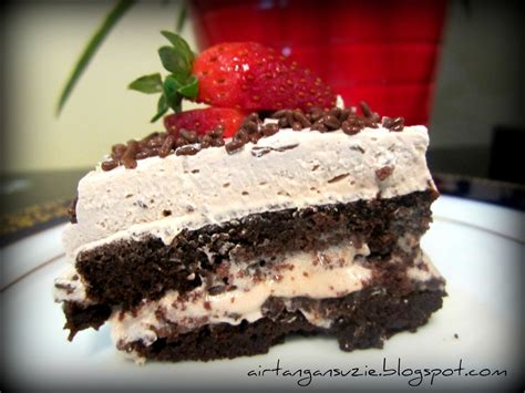 membuat whipped cream coklat suzie s kitchen chocolate cake with whipped cream