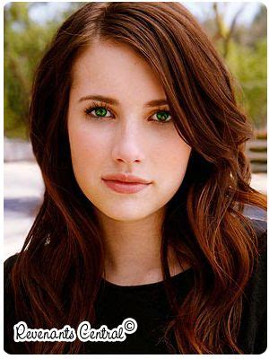celebrities with green eyes and pale skin eyes emma roberts and green eyes on pinterest