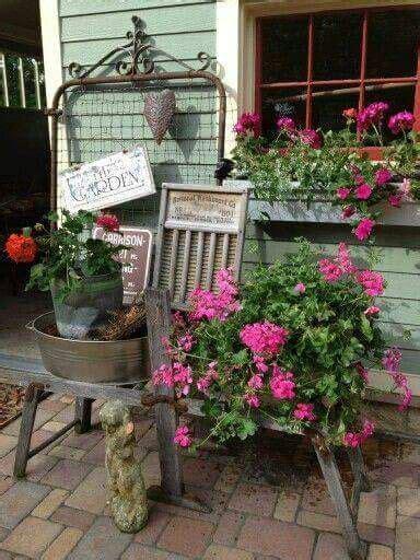 Country Garden Decor 1000 Ideas About Country Garden Decorations On Pinterest Garden Decorations Wagon Planter