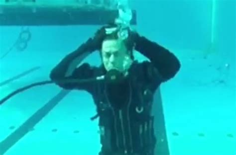 diving hairstyles shah rukh khan shares video of his scuba diving styles