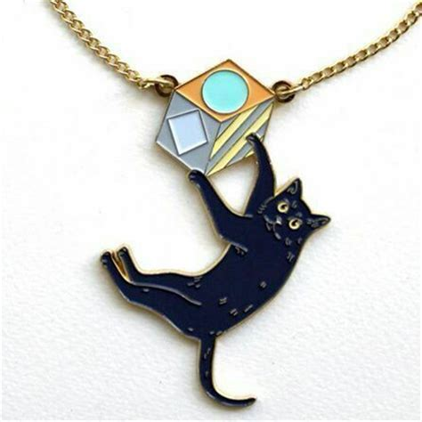 cat shaped necklace