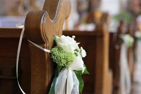 Dezenter Hochzeitsschmuck by Hochzeitsdeko Kirchenb 228 Nke Bildergalerie Hochzeitsportal24