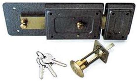 sostituire serratura porta blindata costo costo cambio serratura porta blindata milanomet it