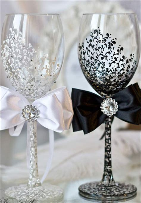 11 Amazing Wedding Glass Decorations For Your Table   must