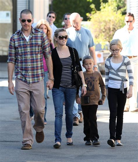 And Phillippe by Phillippe Photos Photos Reese Witherspoon And Family