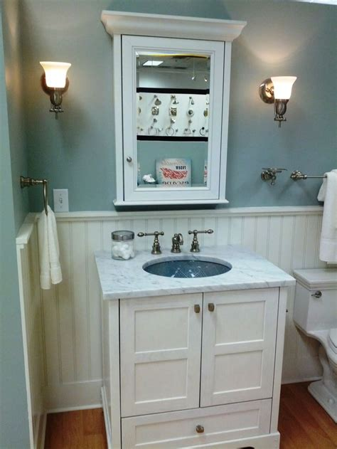 roomcolorswainscoting white wainscoting tub base