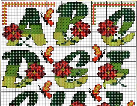 alfabeto fiori alfabeto fiori farfalle10 magiedifilo it punto croce