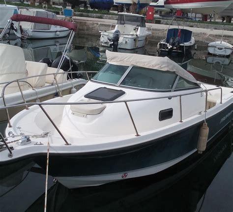 trophy boats 2006 bayliner 2052 trophy walkaround power boat for sale