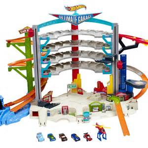InfoMommy Insight: The Hot Wheels Ultimate Garage Play Set