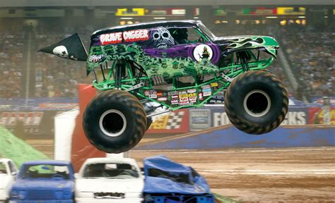 monster trucks grave digger crashes 20 crashing monster trucks that are totally badass