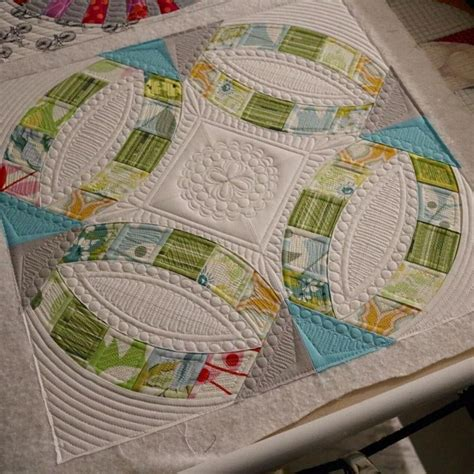 Quilting Wedding Ring Design by 112 Best Wedding Ring Quilts Images On Quilt