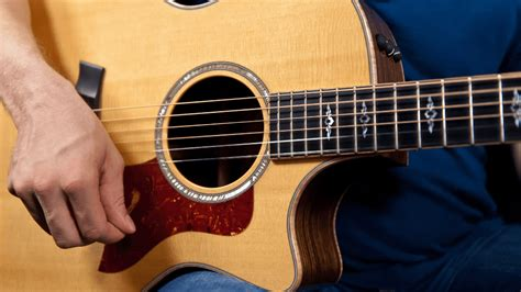 tutorial guitar strumming how to strum the guitar 187 guitar lessons for beginners